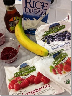 vegan mixed berry smoothie ingredients